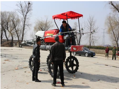示范农场成立专业植保服务队